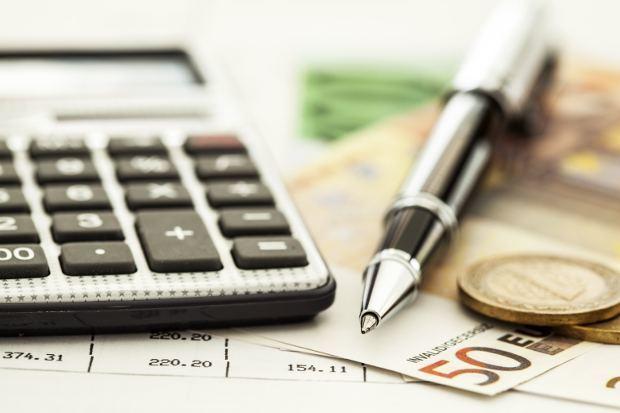 Détecter les frais bancaires abusifs et obtenir un remboursement